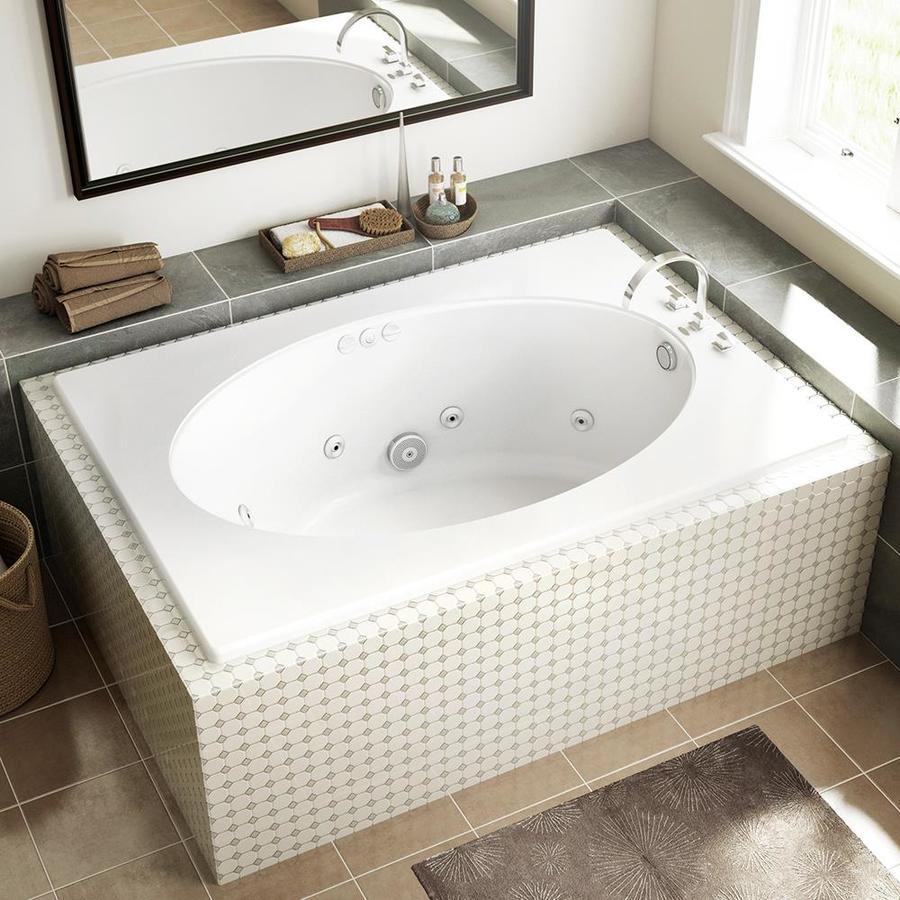 Không gian phòng tắm trở nên hiện đại hơn khi có một chiếc bồn tắm như ý